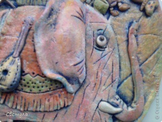 Доброго времени суток Страна!!!!  Выношу на ваш суд свое слоновое семейство!  Потянуло меня на слоников , да не простых ,а радужных! Все вышли яркие весенние. (хоть фотик этого не передает, сори). Нашла иллюстрацию в инете  Мари Дезбонс и вот результат. фото 3