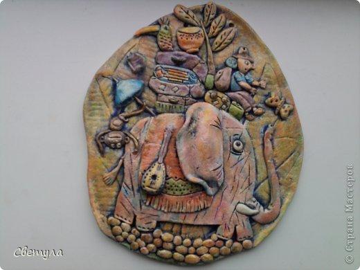Доброго времени суток Страна!!!!  Выношу на ваш суд свое слоновое семейство!  Потянуло меня на слоников , да не простых ,а радужных! Все вышли яркие весенние. (хоть фотик этого не передает, сори). Нашла иллюстрацию в инете  Мари Дезбонс и вот результат. фото 4