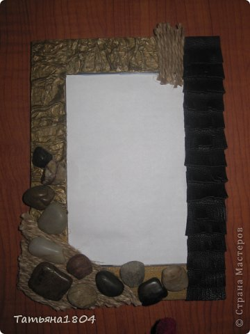 Хочу показать мои новые рамочки для фотографий.  Первые 3 рамочки изготовлены полностью мной. Основа - пластик ПВХ, кармашек для фото выполнен из материала ПЭТ (того, из которого делают кармашки на стендах). Ну и декор не буду перечислять. Вроде бы все понятно! фото 6