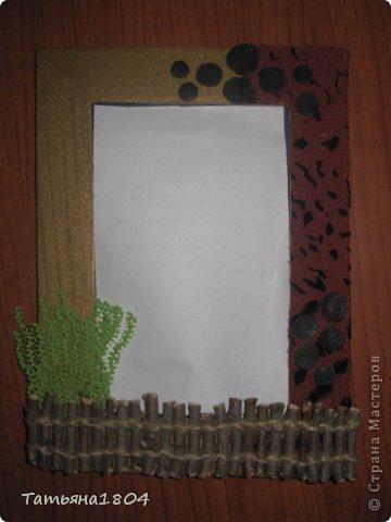 Хочу показать мои новые рамочки для фотографий.  Первые 3 рамочки изготовлены полностью мной. Основа - пластик ПВХ, кармашек для фото выполнен из материала ПЭТ (того, из которого делают кармашки на стендах). Ну и декор не буду перечислять. Вроде бы все понятно! фото 4