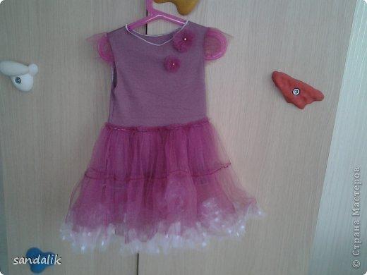 Т.к. платья у нас выбираются по принципу чтоб кружились, то примерно все одинаковые только разных цветов. фото 1