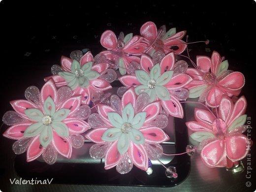 Доброго времени суток! Заказик заколочек бело-розовых) 4 цветочка и 4 бабочки.  Цветочки 3,5 см, бабочки 3см). Всем приятного просмотра! фото 1
