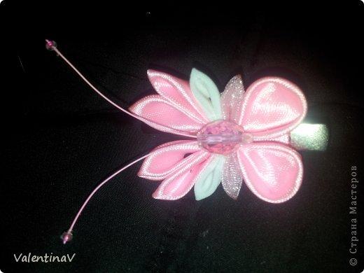 Доброго времени суток! Заказик заколочек бело-розовых) 4 цветочка и 4 бабочки.  Цветочки 3,5 см, бабочки 3см). Всем приятного просмотра! фото 4