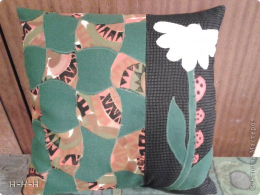 При изготовлении пользовалась предложенными идеями из журналов и сайтов по рукоделию.  Подушка для подруги в технике оригами фото 10