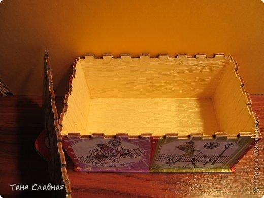 Вообще-то, назвать шкатулкой эту коробочку - слишком громко, это именно коробочка, куда можно убрать, например, зарядку для телефона, наушники, или, на худой конец, деревянную бижутерию.  Впрочем, юная девушка, для которой я сделала этот набор, сама придумает, как использовать эту коробочку-шкатулку. (16,5 см. * 10 см. * 8 см.) фото 8