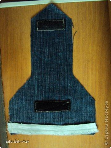 Я тоже попробывала шить и мне так понравилось!А еще больше надоело,что джинсы которыми не пользуемся перекладываем с полки на полку потому что выбросить рука не поднимается.И так не судите строго-это мой дебют. фото 13