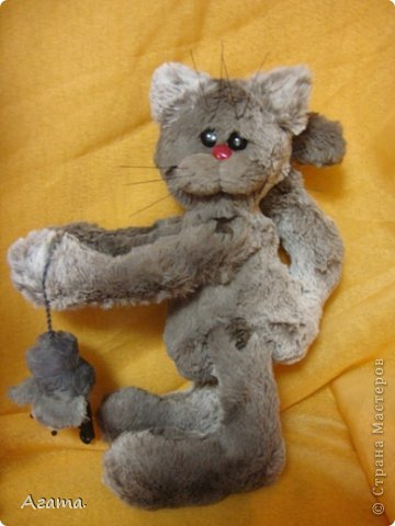 Кот с мышью. фото 1