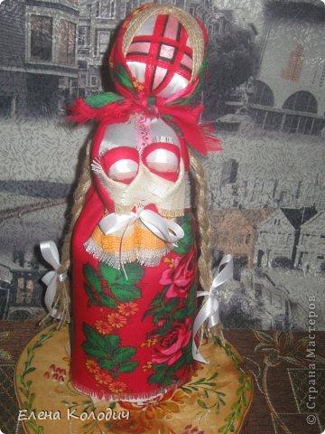 Встретить  праздник Пасхи, проявить интерес у детей к народным традициям помогут куклы.Зайчик с кармашком - секретом, в котором спрятано яичко помогут запомнить момент семейного праздника. Вырастит ребёнок и так же своим деткам передаст всю смысловую нагрузку кукол. фото 4