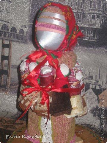 Встретить  праздник Пасхи, проявить интерес у детей к народным традициям помогут куклы.Зайчик с кармашком - секретом, в котором спрятано яичко помогут запомнить момент семейного праздника. Вырастит ребёнок и так же своим деткам передаст всю смысловую нагрузку кукол. фото 3