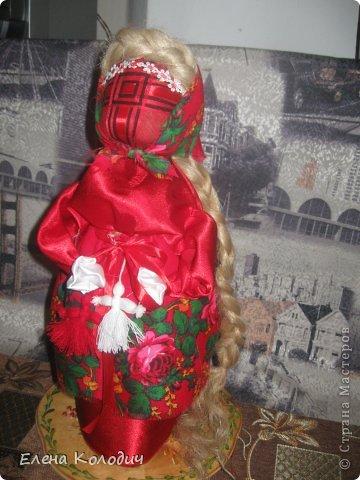 Встретить  праздник Пасхи, проявить интерес у детей к народным традициям помогут куклы.Зайчик с кармашком - секретом, в котором спрятано яичко помогут запомнить момент семейного праздника. Вырастит ребёнок и так же своим деткам передаст всю смысловую нагрузку кукол. фото 2