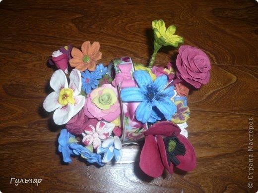 Цветы сделаны из самодельной глины(спасибо СМ! ) - сода+крахмал+вода. фото 1