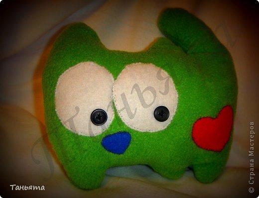 Основа ткани - зеленый плотный флис Наполнитель - холофайбер фото 2