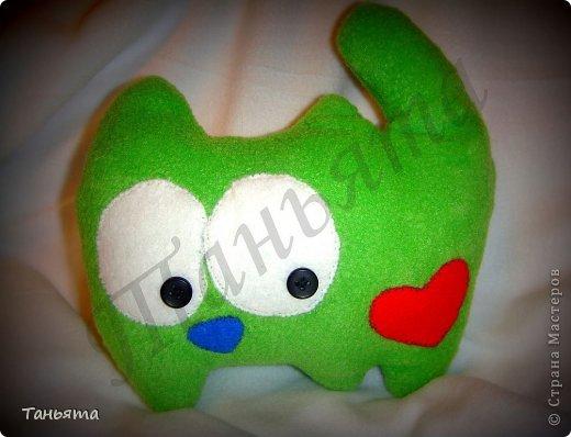 Основа ткани - зеленый плотный флис Наполнитель - холофайбер фото 1