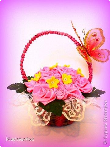 Атласная лента,корзинка плетенная,желтые цветочки моя пробная работа с холодным фарфорорм!