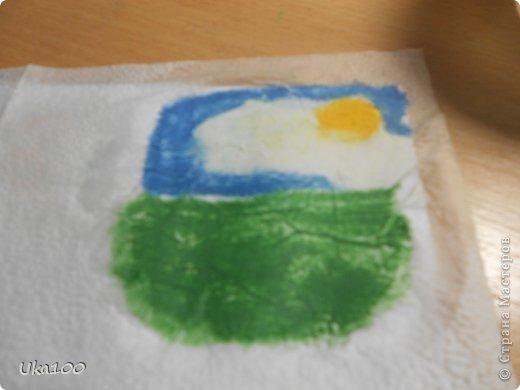 Что бы вы смогли нарисовать на салфетке аккуратный рисунок, нам понадобиться:Вода, тонкая кисточка, пастель, бумага,салфетка(и может быть карандаш, если Вы будите рисовать им) фото 6