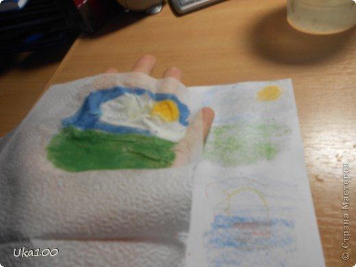 Что бы вы смогли нарисовать на салфетке аккуратный рисунок, нам понадобиться:Вода, тонкая кисточка, пастель, бумага,салфетка(и может быть карандаш, если Вы будите рисовать им) фото 7
