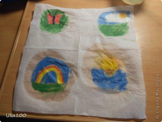 Что бы вы смогли нарисовать на салфетке аккуратный рисунок, нам понадобиться:Вода, тонкая кисточка, пастель, бумага,салфетка(и может быть карандаш, если Вы будите рисовать им) фото 9
