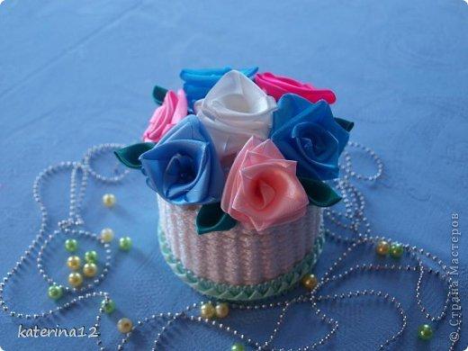 Этот мини букетик я сделала в подарок! В плетении корзиночки использована бельевая веревка, зубочистки и картон! фото 2