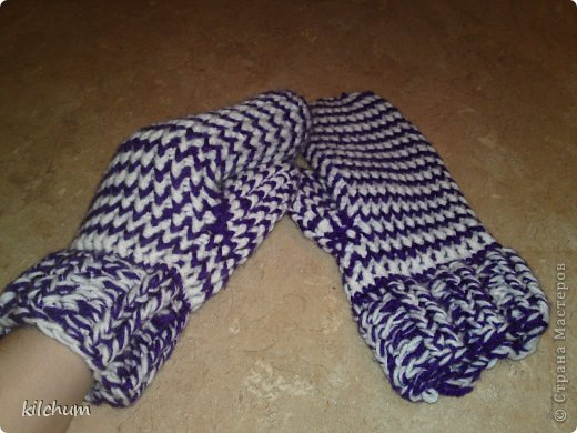 Варежки для мужа))) Моя первая работа) носит всю зиму, очень теплые, но жутко не практичные, стираю каждую неделю( фото 3