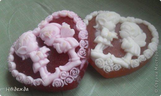 Вот наварилось немного мылок к праздникам.   Это самоя моя любимая форма к 8 марта с ароматом клубники фото 4