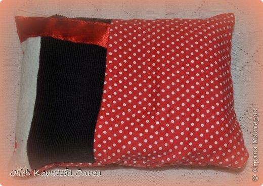 Вот такое одеяло и подушечка из кусочков получились по просьбе дочуры.  фото 7