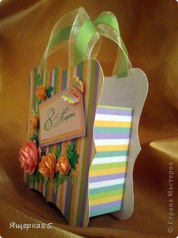 """В этом году """"родились"""" вот такие небольшие (12 см) подарочные сумочки.  Не то, чтоб шоколадницы, но что-то типа :) фото 4"""