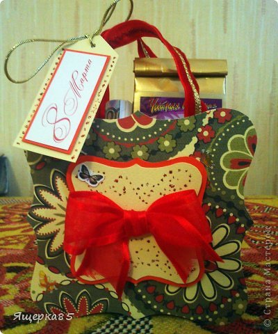 """В этом году """"родились"""" вот такие небольшие (12 см) подарочные сумочки.  Не то, чтоб шоколадницы, но что-то типа :) фото 8"""