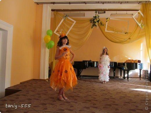 Гардероб Моделирование конструирование эко стиль платья из пакетов и из мого ещё чего Бутылки пластиковые Материал бросовый Скотч фото 1