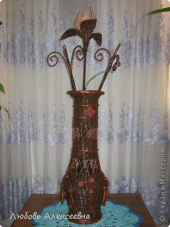 Мсем доброго времени суток,дорогие мои,я к вам с новым моим творением,уж очень понравилось плести напольные вазы,для декора лучше не придумаешь(пока для меня),ведь я еще учусь. фото 1