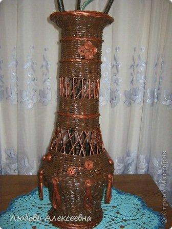 Мсем доброго времени суток,дорогие мои,я к вам с новым моим творением,уж очень понравилось плести напольные вазы,для декора лучше не придумаешь(пока для меня),ведь я еще учусь. фото 3
