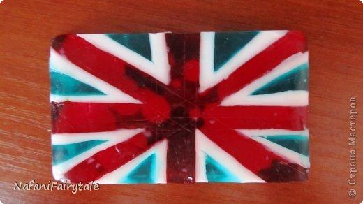 А кто сказал,что британский флаг не может быть голубым? Голубой в массы! фото 1