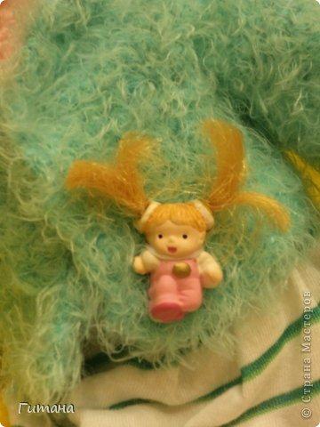 Мы - куклы! Берите. И в дом свой несите И пусть на столе, на стене, на диване Мы ВАМ улыбнемся, когда захотите И, может, теплее кому-нибудь станет...  Это куколка малышка - пуговка ЛАЛАЛУПСИ. Связана по описанию Ольги Новенчук (нОлик). фото 6