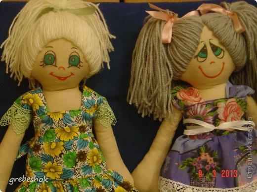 Приветствую Вас, рукодельники и рукодельницы! Давно собиралась попробовать сшить кукол-примитивов. Вот что получилось. фото 2