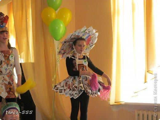 Гардероб Моделирование конструирование эко стиль платья из пакетов и из мого ещё чего Бутылки пластиковые Материал бросовый Скотч фото 19