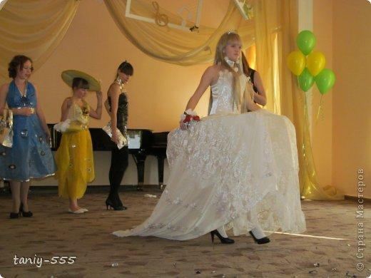 Гардероб Моделирование конструирование эко стиль платья из пакетов и из мого ещё чего Бутылки пластиковые Материал бросовый Скотч фото 27