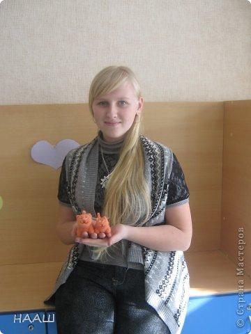Знакомьтесь, это Наташа Смолкина, ученица 8 класса. Валянием Наташа занялась в октябре 2012 года. И это занятие её захватило.   фото 1