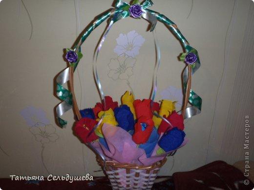 Мой первый заказ)))))конфетные букетики, я их духами побрызгала- потому что по привычке мы их к носу подносим, дабы аромат почуствовать))))Всем одаренным таким букетиком девушкам понравилось))) фото 6