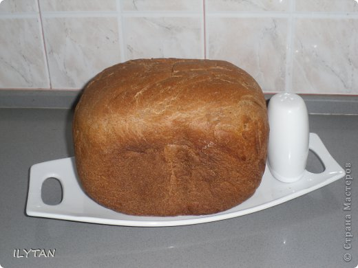 Вот  такой  хлебушек  у  меня  получился  в  моей  хлебопечке.       Хлеб  да  соль всем,  кто  заглянул  ко  мне  на  страничку! фото 1