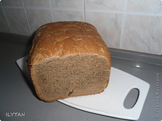 Вот  такой  хлебушек  у  меня  получился  в  моей  хлебопечке.       Хлеб  да  соль всем,  кто  заглянул  ко  мне  на  страничку! фото 2