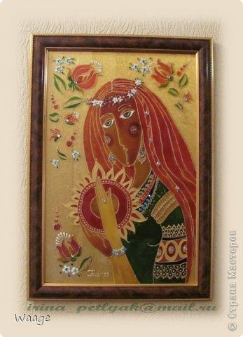 Привет, родная Страна!  Сегодня я к вам с очередным витражом. Девушку подсмотрела на батике Людмилы Соболь, но у меня она с косичкой, венком и драгоценными украшениями :-) фото 5