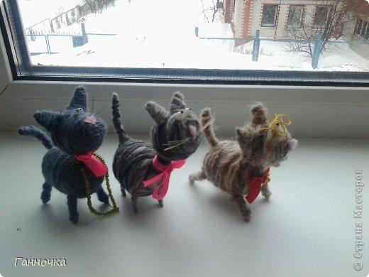 Серая троица) Таких котов я люблю делать больше всего. Котик в очках - подарок сестре в честь ее победы на городской конференции.  фото 2