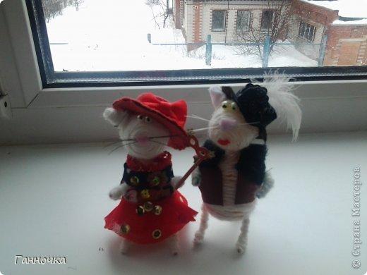 Итак, каждые выходные я продолжаю делать этих милах...) На заказ, в подарок, просто так... Но позавчера у меня просто было отличное настроение и появились эти два шляпника=) фото 1