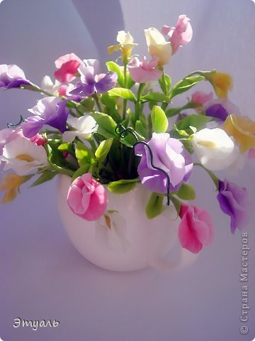 Первый раз делала эти цветы, получила море удовольствия!!! Желаю и вам приятного постмотра. Не стесняемся указывать на недостатки! фото 2