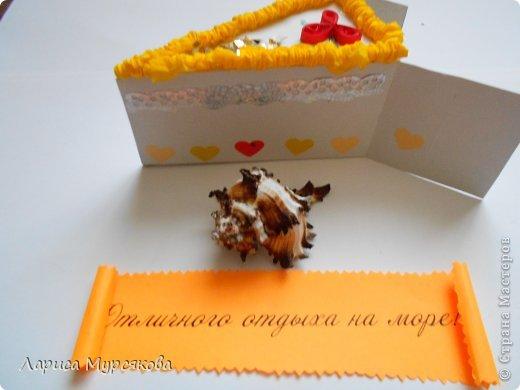 """Доброе время суток, жители любимой страны! Вот я с очередным творением. Сестру младшую на День рождения  захотелось удивить, и """"приготовила"""" тортик, для начинки использовав приятные мелочи. Сестра осталась довольна. Подобный тортик увидела давно, только все повода не было для воплощения. http://moerukodelie.blogspot.ru/2012/03/blog-post_26.html     http://www.artfrank.ru/recipes/323-отсюда скачала шаблон для распечатки кусочков. фото 7"""