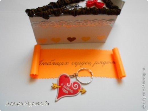 """Доброе время суток, жители любимой страны! Вот я с очередным творением. Сестру младшую на День рождения  захотелось удивить, и """"приготовила"""" тортик, для начинки использовав приятные мелочи. Сестра осталась довольна. Подобный тортик увидела давно, только все повода не было для воплощения. http://moerukodelie.blogspot.ru/2012/03/blog-post_26.html     http://www.artfrank.ru/recipes/323-отсюда скачала шаблон для распечатки кусочков. фото 13"""