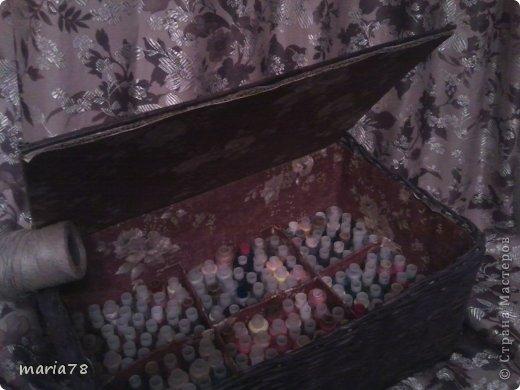 доброго времечка! Сплела вот такую нужную  коробочку=шкатулочку. теперь все нитки в одном месте лежат.) фото 2