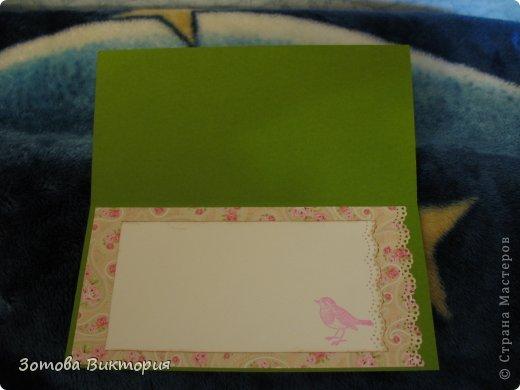 Хотела сделать открытки с птицами, цветами и сердечками.  Меня попрасили сварганить гламурные открытки. Но в гламурности я что-то не бум бум.   Заранее извиняюсь за мутные фотки первых двух открыток, снимала старым фотиком в попыхах.  фото 4