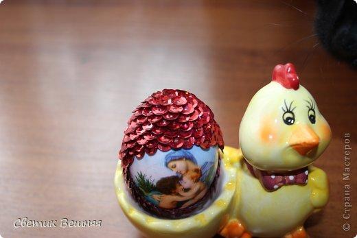 ничего умней не могла придумать, чем украсить яйца пайетками))) но получилось ооочень даже ничего фото 2