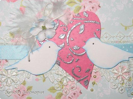 Хотела сделать открытки с птицами, цветами и сердечками.  Меня попрасили сварганить гламурные открытки. Но в гламурности я что-то не бум бум.   Заранее извиняюсь за мутные фотки первых двух открыток, снимала старым фотиком в попыхах.  фото 6