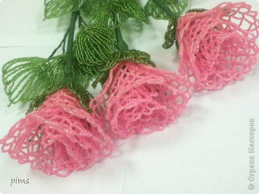 Кружевные розы из бисера фото 1